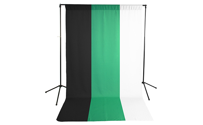 Black/White/Green Wrinkle Resistant Backdrop Kit